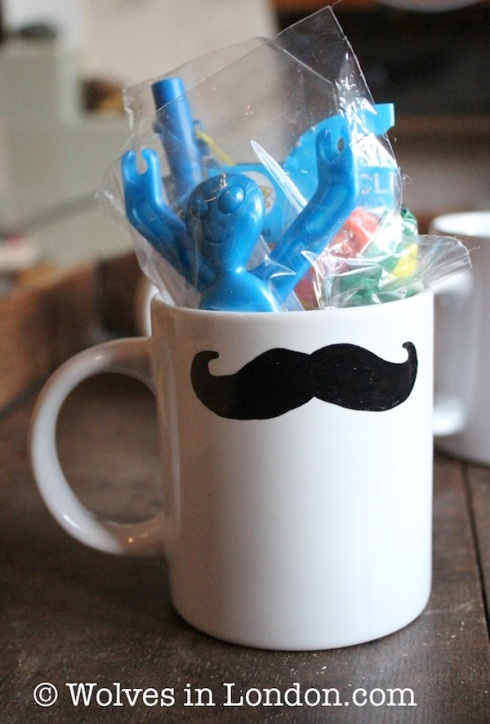 Make your own moustache mugs