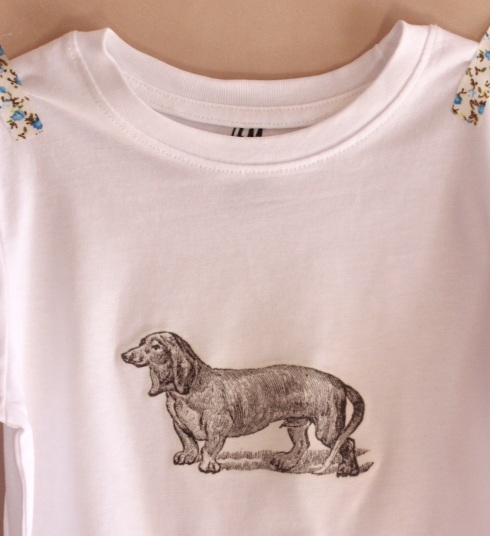 Dachshund T-shirt | Wolves in London
