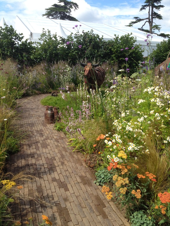 Macmillan legacy garden at Hampton Court show | Wolves in London