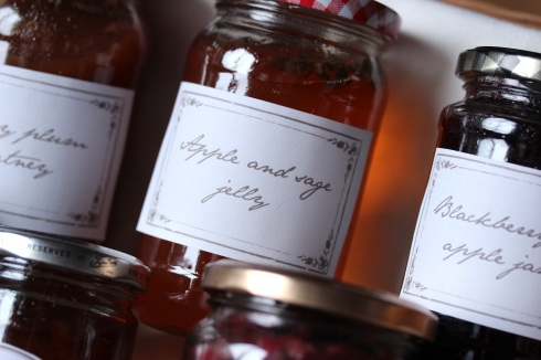 Homemade apple and sage jelly in a Christmas hamper | Wolves in London