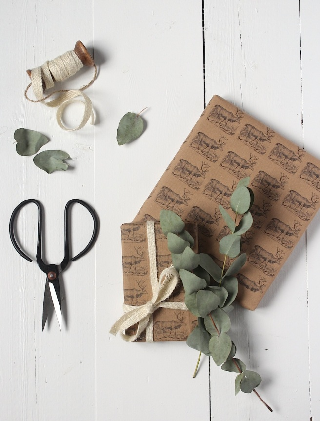 Home-printed reindeer wrapping paper, free download