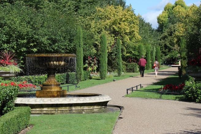 Regents Park in the sun