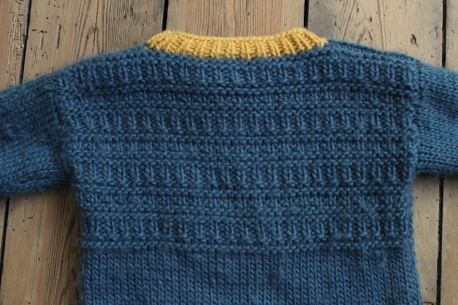 Back of a handknit jumper, free pattern