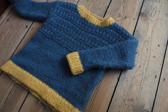 Handknit toddler jumper, free pattern