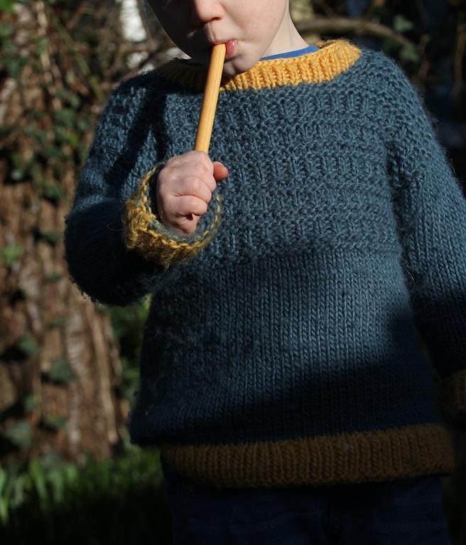 Handknit chunky boys jumper, free pattern