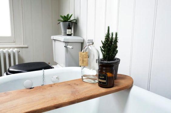Wooden bath shelf caddy